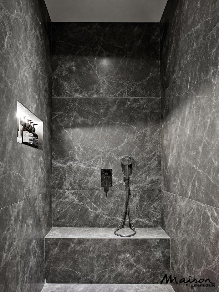 욕실 타일