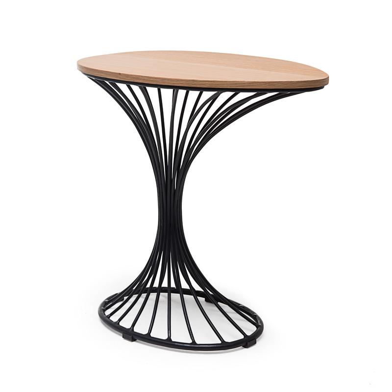 케네스 코본푸 테이블