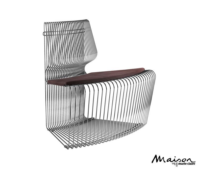 철제 의자