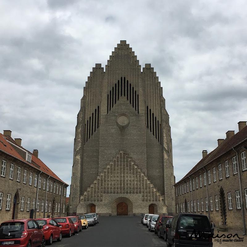 그룬트비교회, 클린트